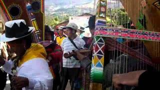 CARHUANCA 14 AGOSTO 2011    OBLIGADO CON JUAN CHOLUCHA Y CHIWILLO DE  PUJAS  EN LA PLAZA PRINCIPAL DE CARHUANCA