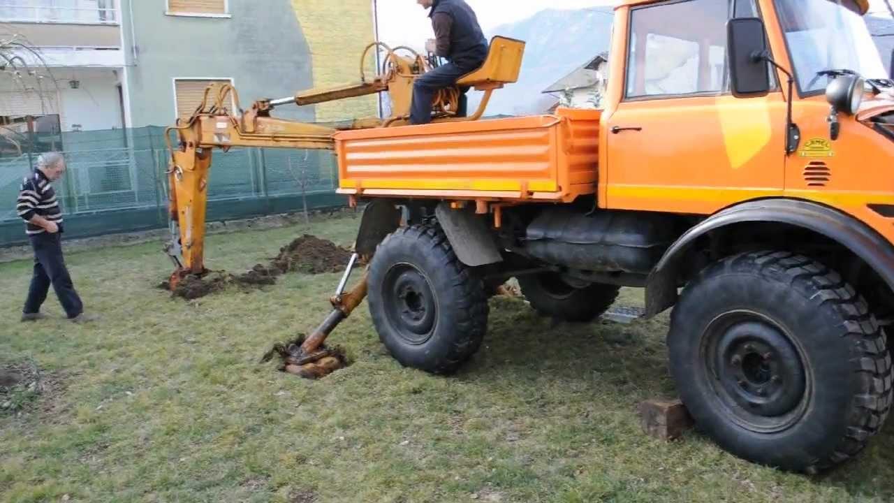 Unimog For Sale >> Unimog 406 con retro-escavatore Sogema Backhoe - YouTube