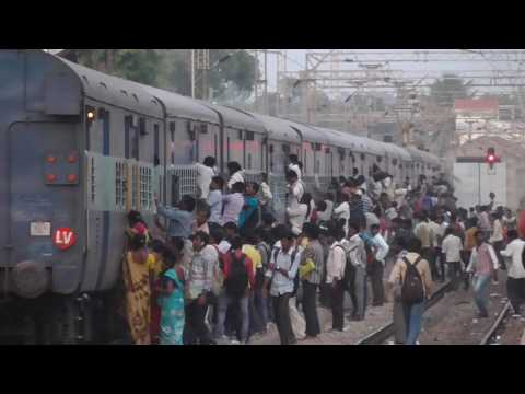 Mad Rush for the Bangalore Jolarpettai  Express at Whitefield RS