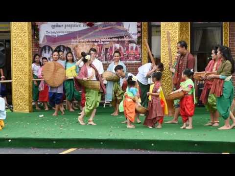 Group Dancing at BCNE