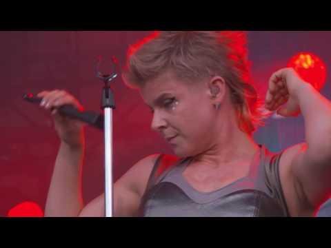 Royksopp Robyn Perform Monument