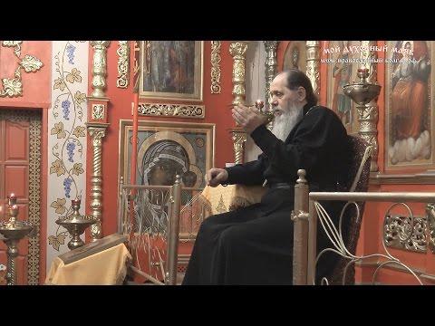 Как в Болгаре поступают, когда чтение акафиста по времени совпадает с богослужением?
