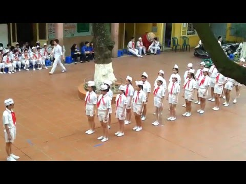 Phần dự thi NGHI THỨC ĐỘI của trường THCS Trưng Vương