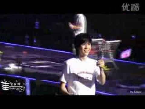 [FanCam] 090117 Super show In Nanjing [Main KyuHyun] - Miracle