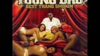 Young Dro-Shoulder lean