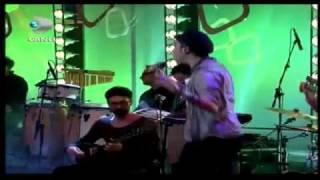 Can Bonomo - Bana Bir Saz Verin (Beyaz Show 10.02.12)
