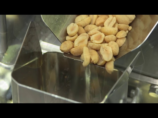 Nuts/Nüsse, on a tray line, Multihead Weigher/Mehrkopfwaage, Yamato Scale