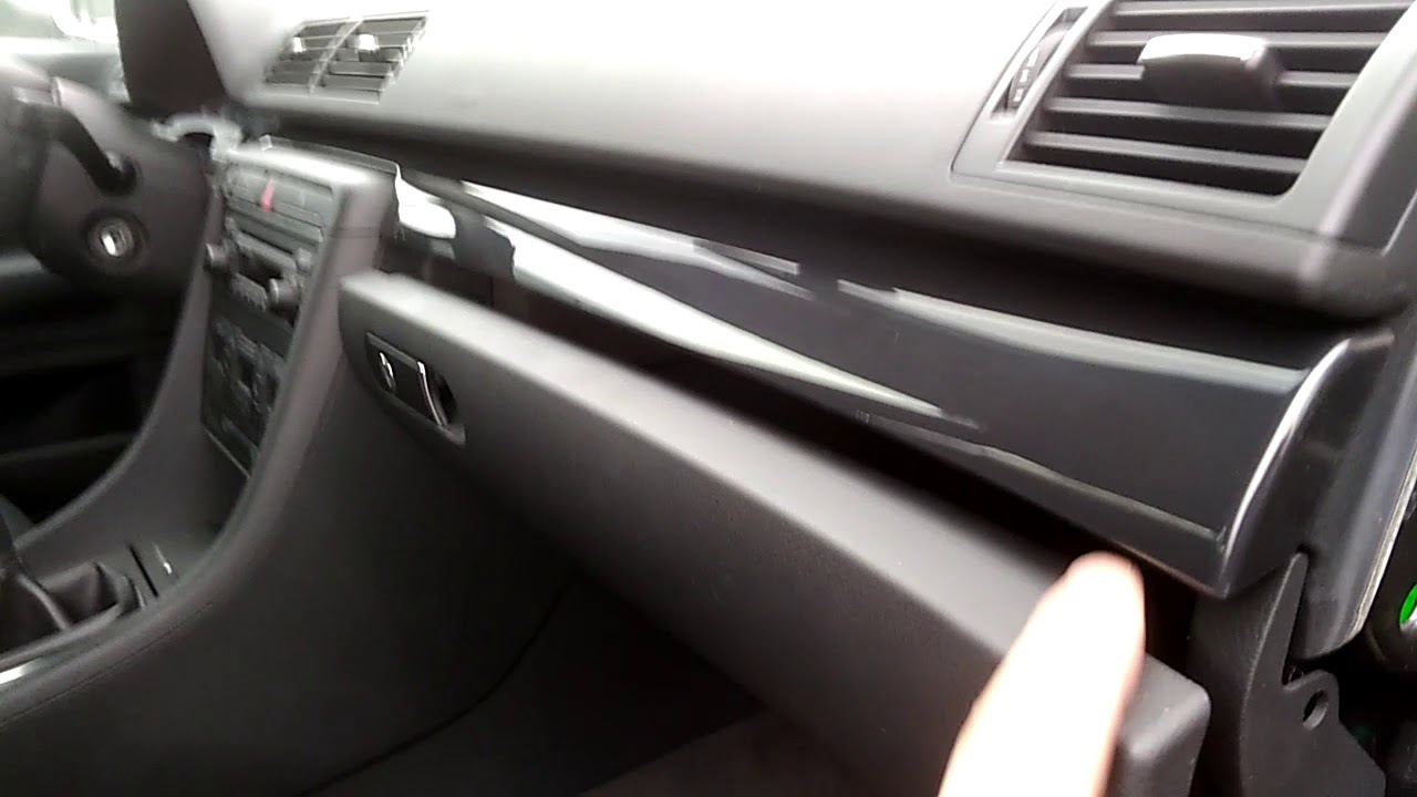 Jak Wymienić Klamke Schowka Pasażera W Audi A4 B6 Youtube