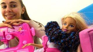 Видео для детей: мастерская Барби! ОДЕВАЛКИ для девочек: шьем шарфик #barbie. Поделки своими руками!