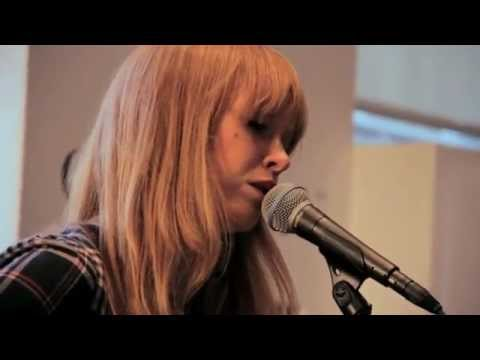Lucy Rose Lines Live Session