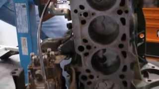 Volkswagen D24 -2.4litros 6 cilindros em linha - inside view