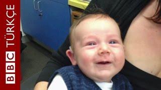 İşitme engelli bir bebeğin anne babasını duyduğu ilk an - BBC TÜRKÇE