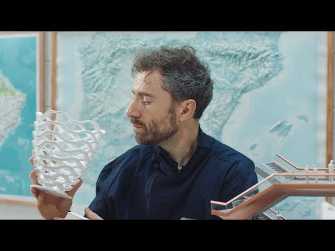 "Thomas Heatherwick designed the Vessel to ""bring people together"""