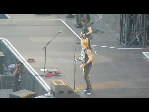 GUNS N ROSES Shadow Of Your Love - Live Bordeaux 26.06.2018
