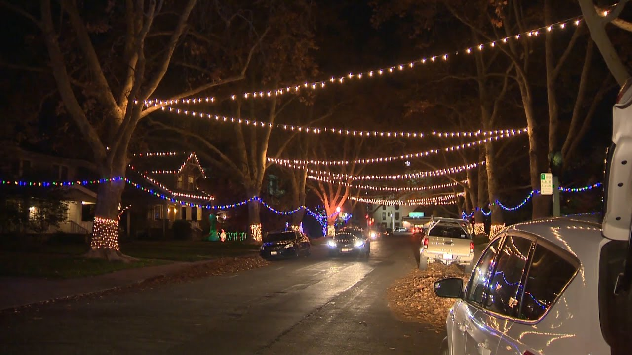 Holiday Lights in East Sacramento - YouTube