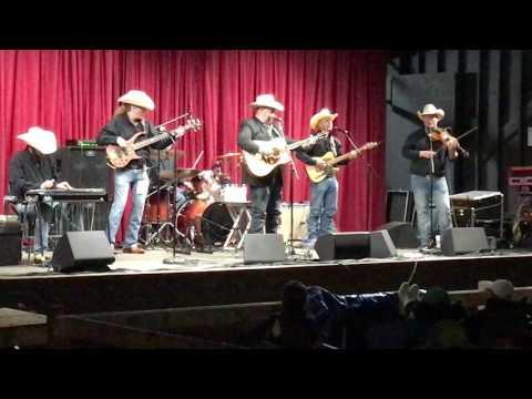 DARYLE SINGLETARY - SUNDAY MORNIN' KINDA TOWN