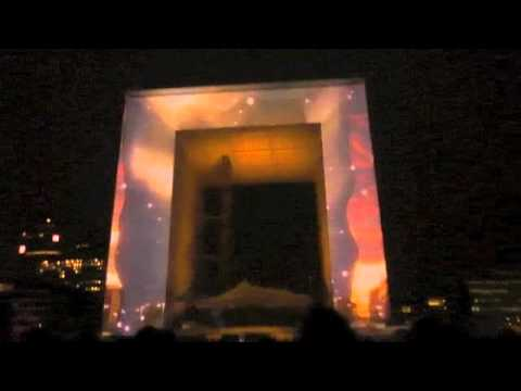 """Spectacle """"Apparences"""" Grande Arche de la Défense"""