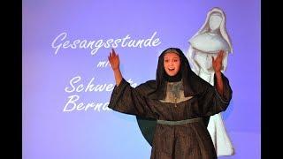 Gesangsstunde mit Schwester Bernadetta