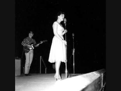 "Patsy Cline Singing Crazy ""Live"" on the Grand Ole Opry."