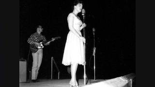 Patsy Cline Singing Crazy 34 Live 34 On The Grand Ole Opry