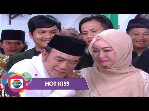Ricca Rachim Mendapat Kejutan Spesial dari Rhoma Irama - Hot Kiss