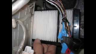 Cabin air filter replacement Mazda 3 / Замена воздушного фильтра салона на Mazda 3