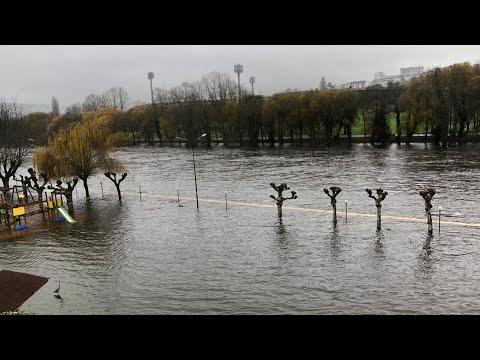 El río Miño se desborda a su paso por Lugo