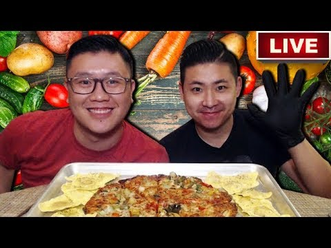 VEGETARIAN MUKBANG – Cauliflower Pizza & Butternut Squash Ravioli