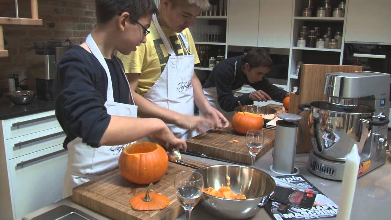 Halloween - Kürbiswerkstatt in der Kochschule Steffi Metz - YouTube | {Kochschule für kinder 28}