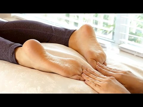 Reflexology Foot Massage for Back and Foot Pain & Happy Feet Massage Shoe Review