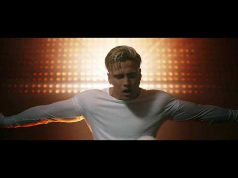 Gustavo Elis - No Me Dejes Solo | Video Oficial