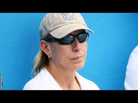 Martina Navratilova quits as Agnieszka Radwanska coach