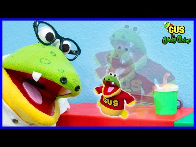 Pretend Play Gus the Gummy Gator Shrinks to Toy Size! Daddy can't find him Hide and Seek!!!