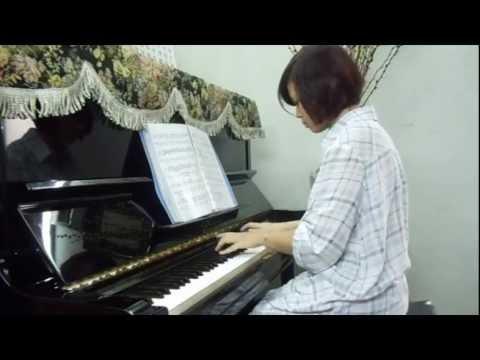QUÊ HƯƠNG -độc tấu piano-Thu Trang.