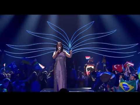 Голая жопа в прямом эфире Евровидения 2017 в Киеве (видео)