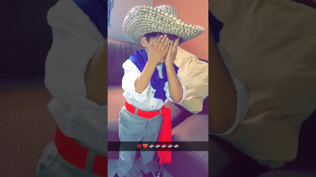Niño Con Traje Típico Dominicano Youtube