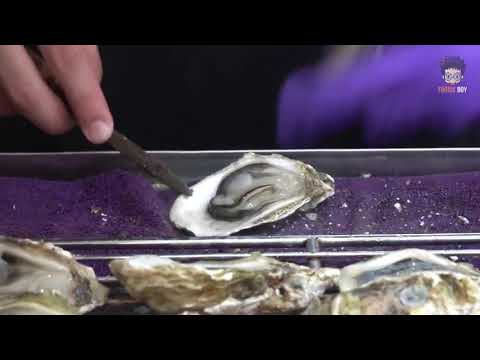 Grilled Oysters -  Taiwanese Street Food -  Fengjia Night Market, Taichung Taiwan