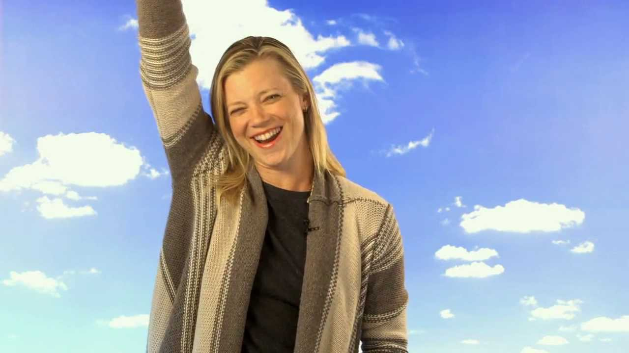 Amy Smart Hot Pics amy smart hot dog- green works giggling daisies