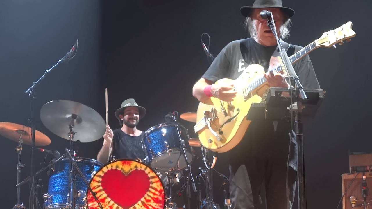 Download Neil Young - Alabama (HD) Live In Paris 2016