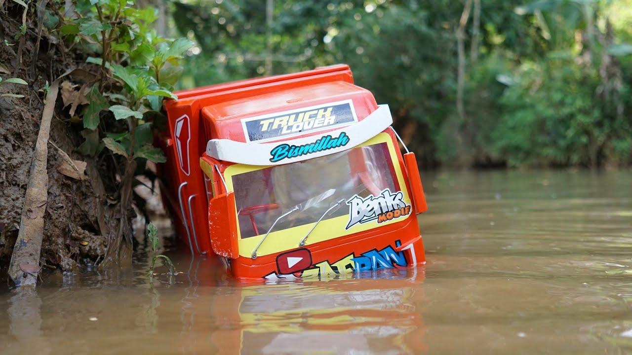 Ketika Truk Oleng Nyebur ke Sungai sampai Hampir Ten99el4m Part 1