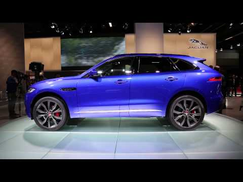 Jaguar S New F Pace Has Been Revealed Ahead Of Its Debut Tomorrow At The 2017 Frankfurt Auto Show Small Sporty Crossover Suv Represents British