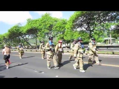 honolulu marathon 2015 Lunalilo FWY H-1 fire man honolulu hawaii 20151213