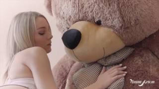 St Peach super hot video almost nude