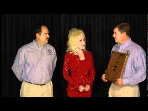 Dolly Parton receives 2009 Dr. Perry F. Harris Award