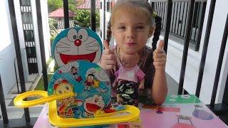 Катя и Пупсик открывают Магнитные самолетики Дораэмон Обзор игрушек Doraemon Magnetic plane