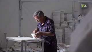 НА Андрес Муро создает мраморные ступки для лучших шеф-поваров(Смотрите другие видео на www.novostiandalusii.com Андрес Муро, резчик по мрамору, никогда не любил стоять на месте...., 2014-09-25T08:10:45.000Z)