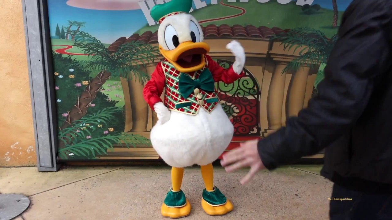 Christmas Minnie Mouse Disneyland.Christmas At Disneyland Paris Meet Mickey Minnie Mouse Pluto Goofy Donald Oswald 2015