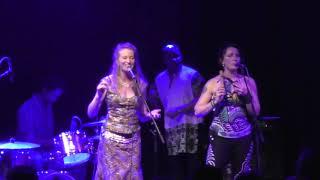 Yelli sung by Su Hart of Baka Beyond