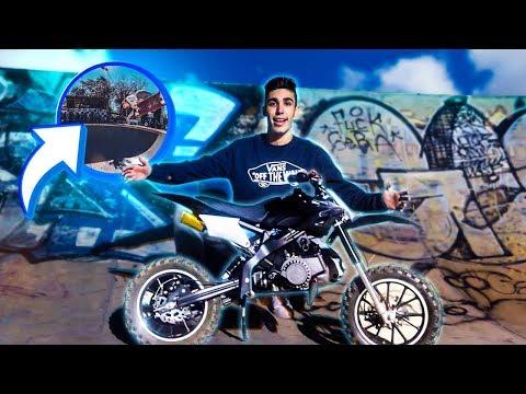 ANDEI COM A MINI MOTO NO PARQUE DE SKATES !!
