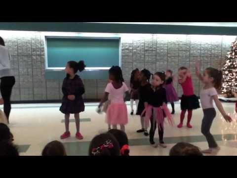 Mami Y Su Ultimo Curso De Ballet Del Año